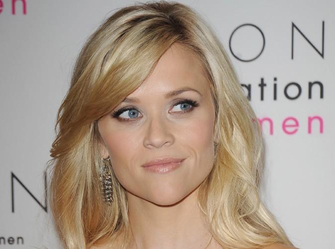 Reese Witherspoon : Découvrez sa superbe alliance en platine !