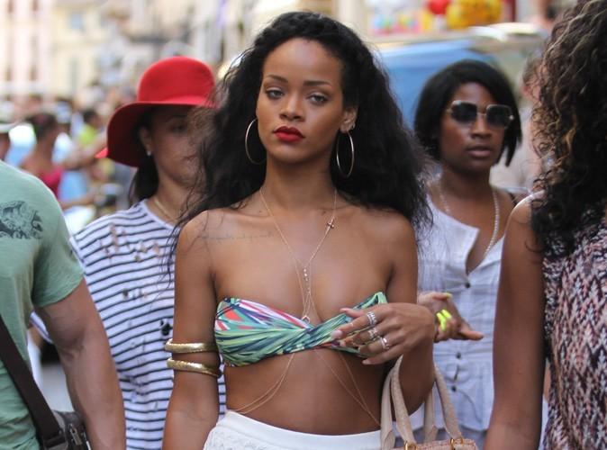 Rihanna : même en vacances elle pense à Dolly...