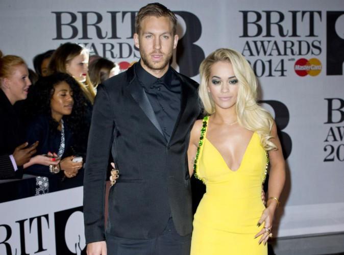 """Rita Ora : en pleine tourmente, elle a des """"suspicions"""" sur la possible infidélité de Calvin Harris !"""