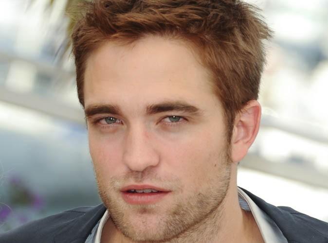 """Robert Pattinson : """"dévasté"""" et """"sous le choc""""... Ses proches témoignent !"""