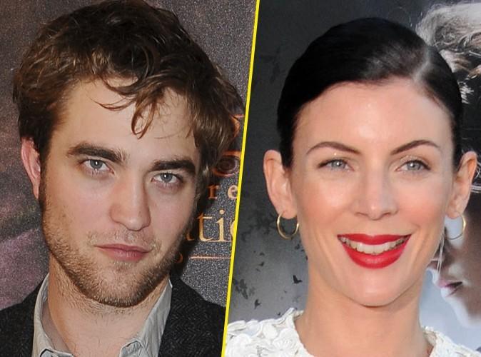 Robert Pattinson : il veut parler à Liberty Ross !
