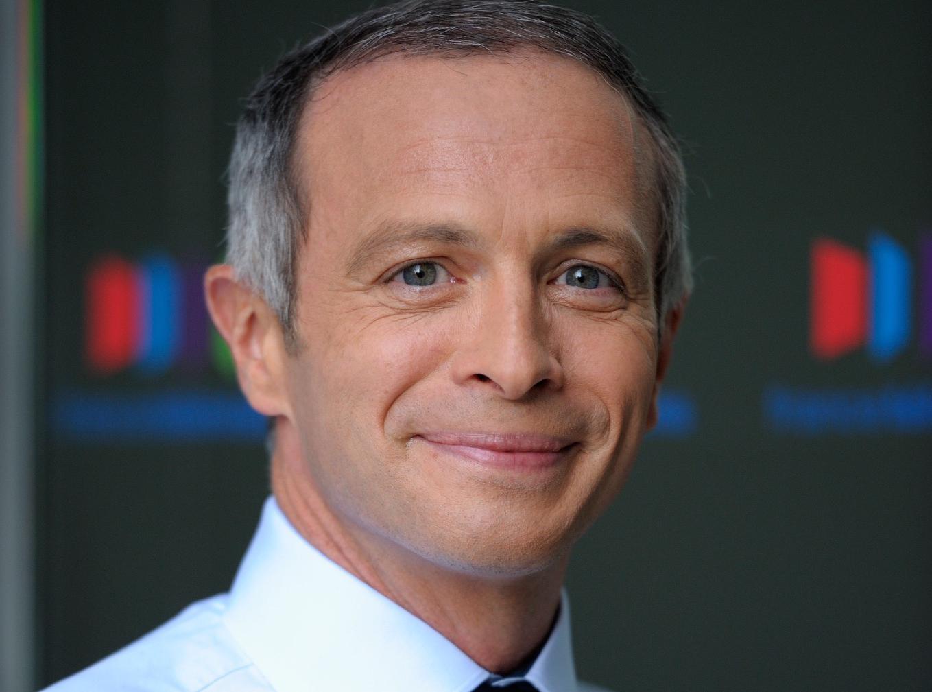 Samuel Etienne : les internautes regrettent déjà Julien Lepers !