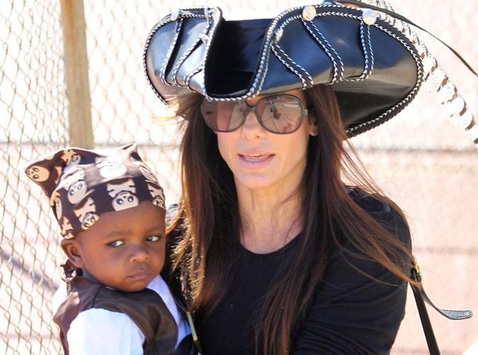 sandra bullock l trange no l qu elle r serve son fils. Black Bedroom Furniture Sets. Home Design Ideas