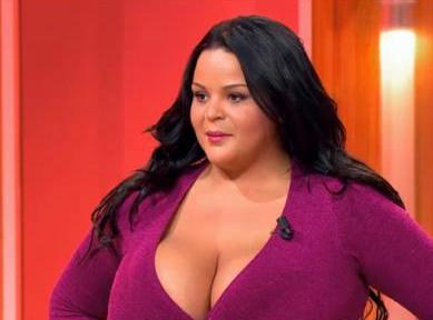 """Sarah Fraisou : """"Je veux des fesses plus grosses !"""""""