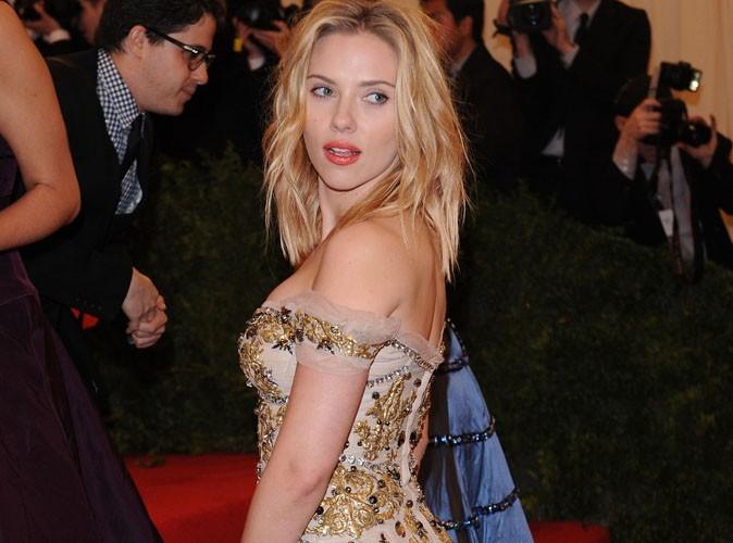Scarlett Johansson amoureuse à nouveau, elle s'offre un séjour romantique à Paris avec son boyfriend !