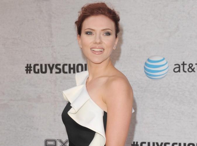 Scarlett Johansson : découvrez sa chanson de Noël en duo avec Dean Martin !