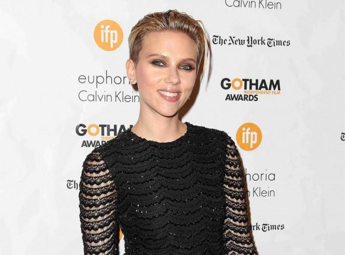 """Scarlett Johansson : être mère ? """"C'est magique et épuisant"""" !"""