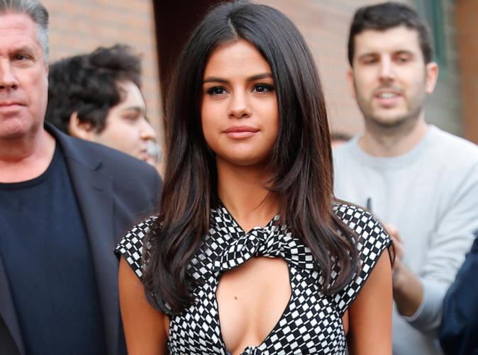 Selena Gomez : Elle ne lâche pas The Weeknd d'une semelle !