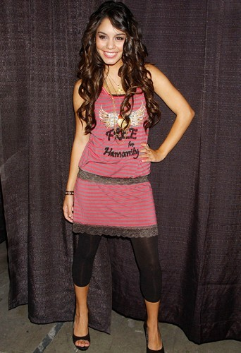 Selena Gomez et Vanessa Hudgens : de petites filles rangées, elles sont devenues des femmes dévergondées !