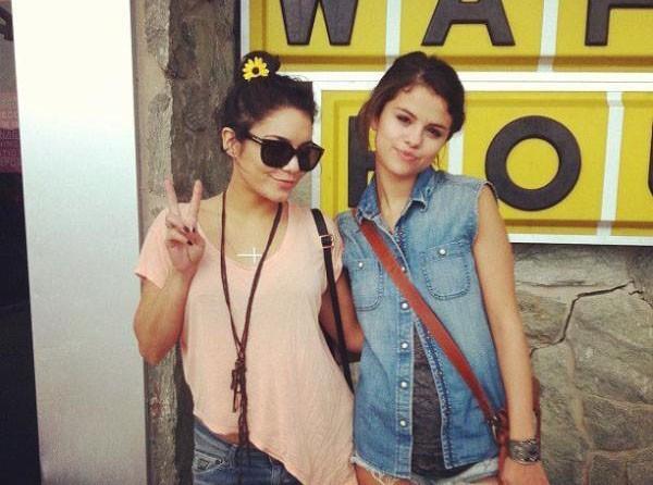 Selena Gomez fidèle amie de Vanessa Hudgens !