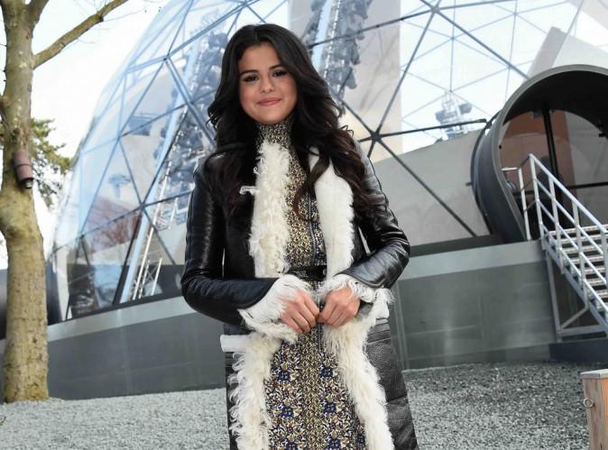 Selena Gomez : ses fesses trop plates, elle songe à la chirurgie !