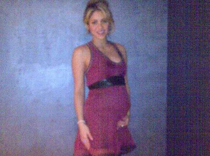 Shakira : elle dévoile enfin son bidon de femme enceinte !