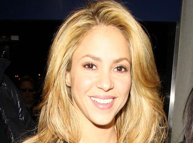 """Shakira : sa première interview exclusive pour son come-back : """"C'est si simple de travailler avec Rihanna, elle est toujours très cool"""" !"""