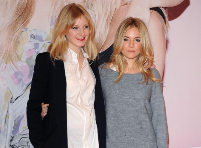 """Sienna Miller : sa soeur tweete son amour pour """"bébé Marlowe"""" !"""