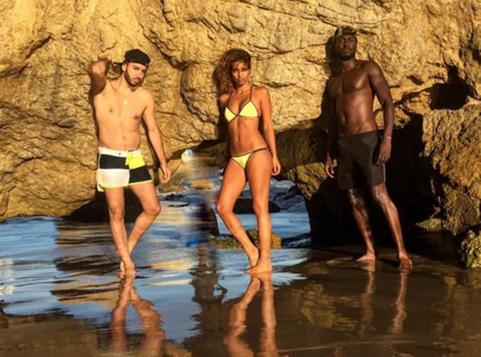 Tal fait le show en bikini fluo !