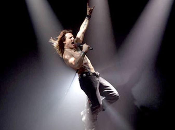 Tom Cruise en rockeur des années 80, ça décoiffe !