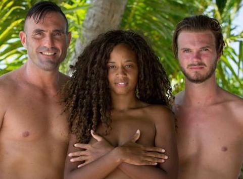 Tracy (Adam recherche Eve) : nue sur la plage, elle tombe nez à nez avec son ex !