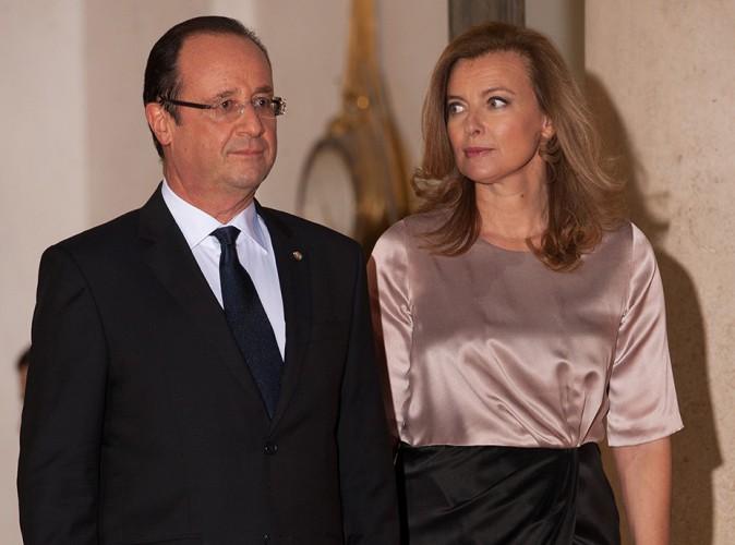 """Valérie Trierweiler : """"François tente de m'arracher le sac. Je cours dans la chambre"""""""