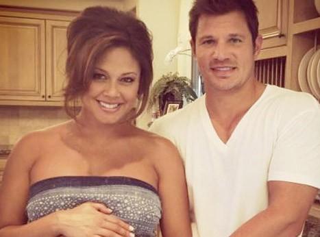 Vanessa Minnillo : encore une qui est fière de montrer son joli baby bump !