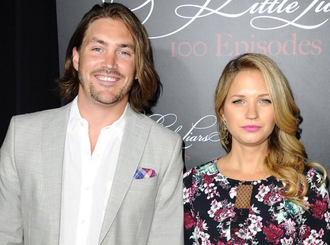 Vanessa Ray (Pretty Little Liars) a épousé son compagnon Landon Beard