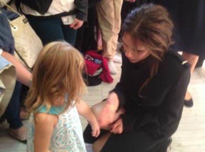 Victoria Beckham : à la rencontre de sa plus jeune fan !