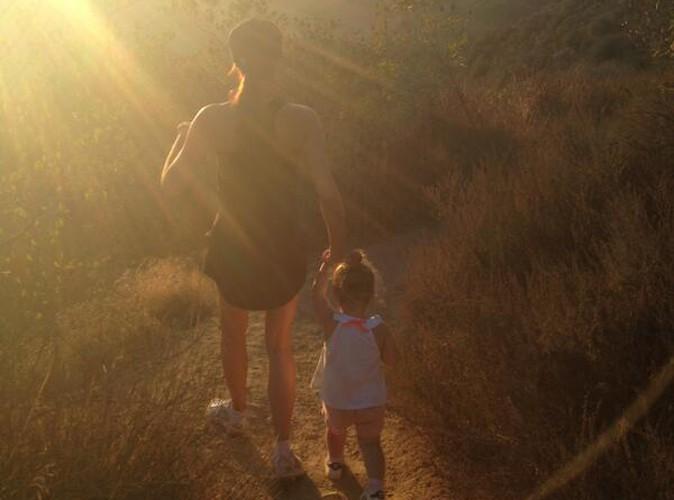 Victoria Beckham : elle troque ses talons contre des baskets pour une randonnée avec Harper !