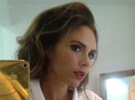 Victoria Beckham : sexy, même en peignoir !