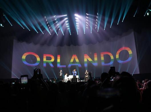 Demi Lovato et Nick Jonas : Un hommage surprise et touchant aux victimes d'Orlando