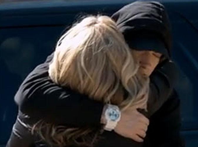 """Vidéo : Eminem : un clip en hommage à sa mère Debbie pour son single """"Headlights"""" !"""