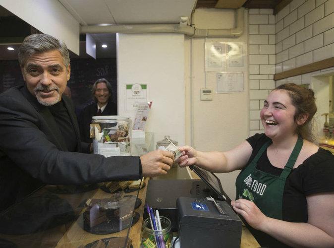Video : George Clooney : il vole au secours des sans-abris