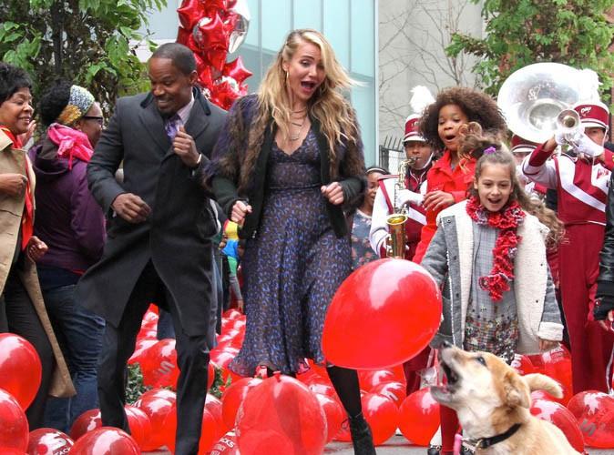 """Vidéo : Jamie Foxx, Cameron Diaz et Quvenzhane Wallis dans les premières images du musical """"Annie"""" !"""