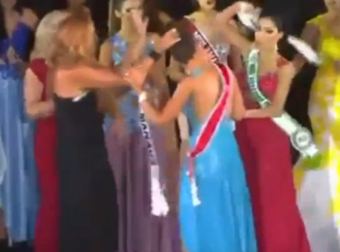 Vidéo : L'élection de Miss Amazonie tourne au crêpage de chignons !