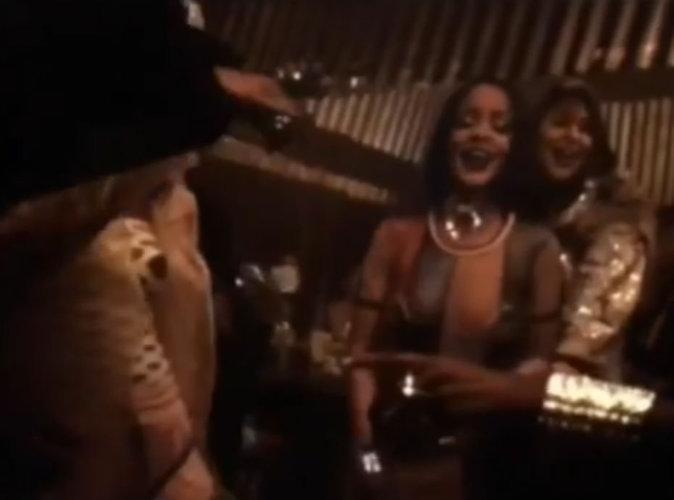 Vidéo : Rihanna : attendue au Super Bowl, elle livre les premières images de Work!