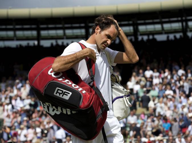 Vidéo : Roger Federer : mauvais perdant, il ignore Novak Djokovic !