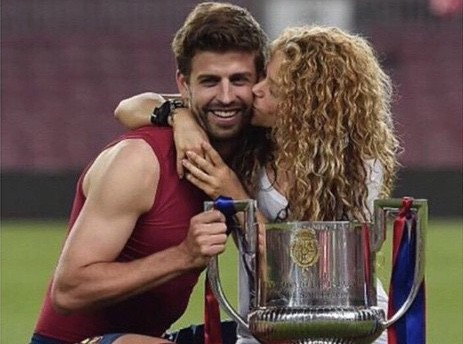 Shakira : Quand Gerard Piqu� danse et chante pour elle, �a vaut le d�tour !