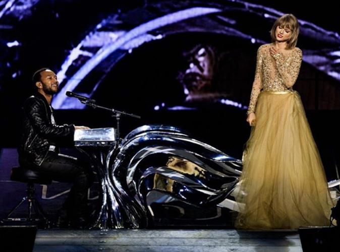 """Vidéo : Taylor Swift : son """"Je t'aime"""" à Calvin Harris n'est pas passé inaperçu !"""
