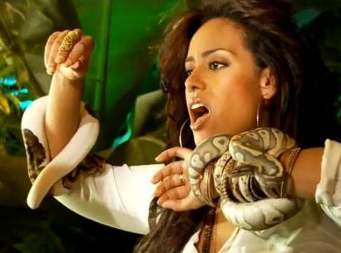 Vidéo : Amel Bent : elle dévoile sa phobie des serpents dans le making of du clip de Je Reste !