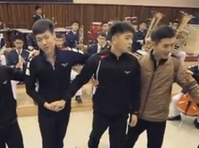 Vidéo Buzz : quand les militaires coréens se prennent pour Les Misérables, c'est énorme!