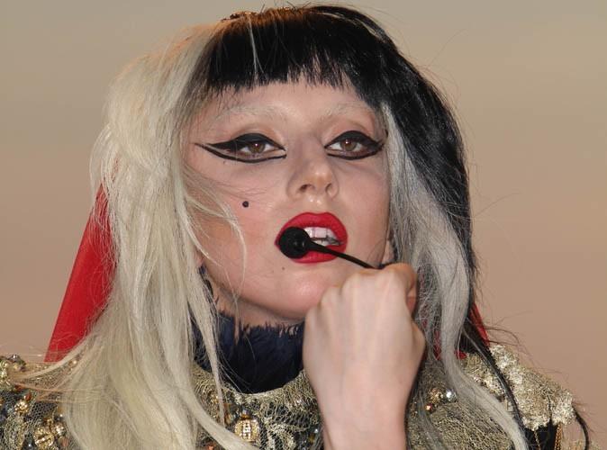 Vidéo : Cannes 2011 : Découvrez le live de Lady Gaga sur le plateau du Grand Journal...
