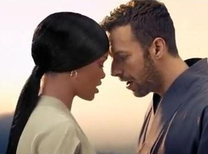 Vidéo : Chris Martin (Coldplay) : sous le charme de Rihanna Princesse de Chine !