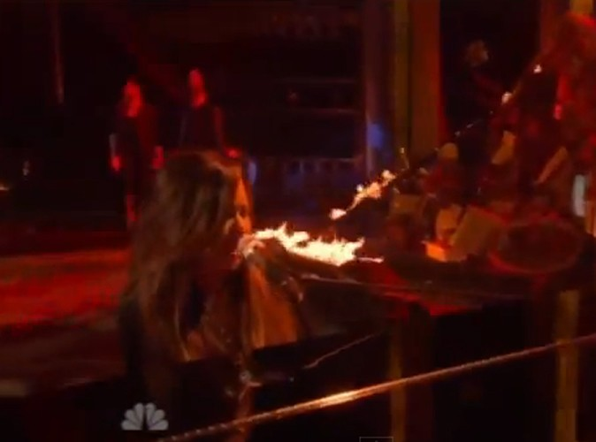 Vidéo : Demi Lovato : elle est hallucinante en live!