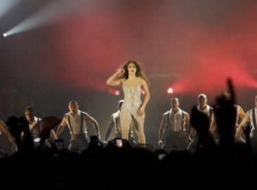Vidéo : Jennifer Lopez : elle vient de lancer sa tournée mondiale en mettant le feu à Panama City !