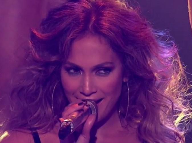 Vidéo : Jennifer Lopez : sensuelle sur scène avec son chéri Casper Smart, elle exhibe son couple sur Dance Again !