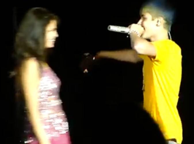 Vidéo : Justin Bieber fait une apparition surprise au concert de Selena Gomez !