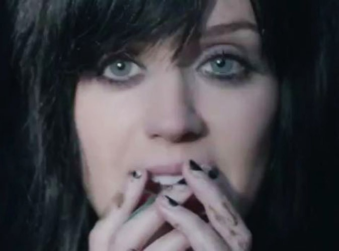 Vidéo : Katy Perry, hyper émouvante dans The One That Got Away !