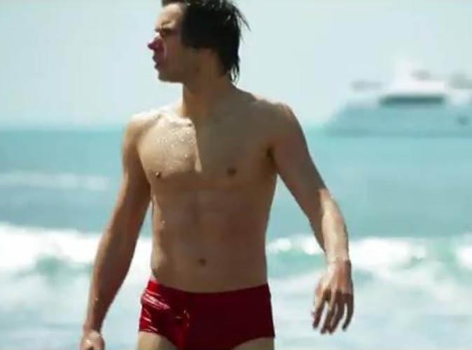 Vidéo : Orelsan : en mode Chevaliers du Zodiaque dans son nouveau clip, il fait tomber son armure !