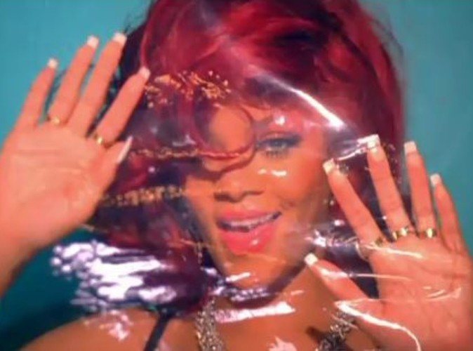 Vidéo : Rihanna, son clip S&M...très Lady Gaga ?