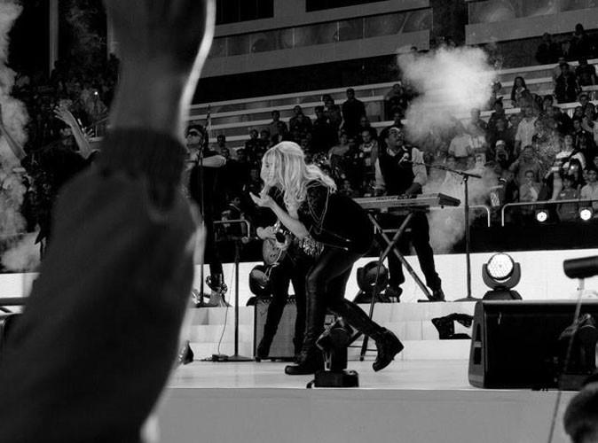 Vidéo : Shakira : même enceinte, elle continue de faire le show !