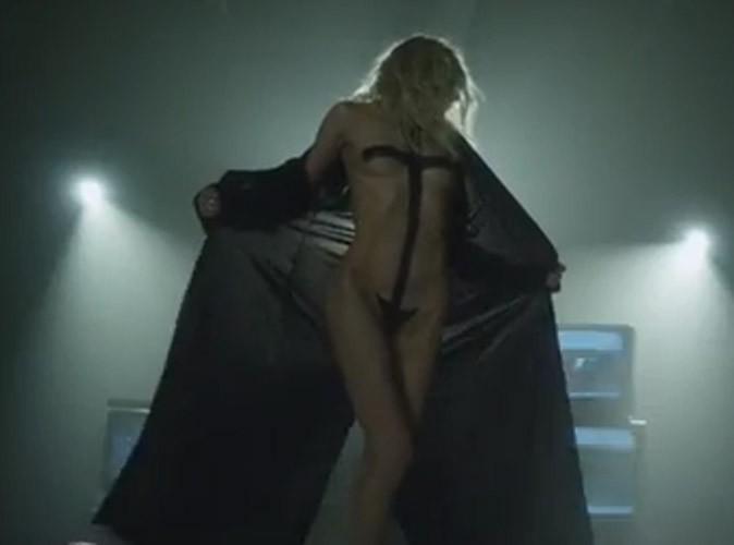 Vidéo : Taylor Momsen : elle abandonne une fois encore ses vêtements dans le nouveau clip de The Pretty Reckless !
