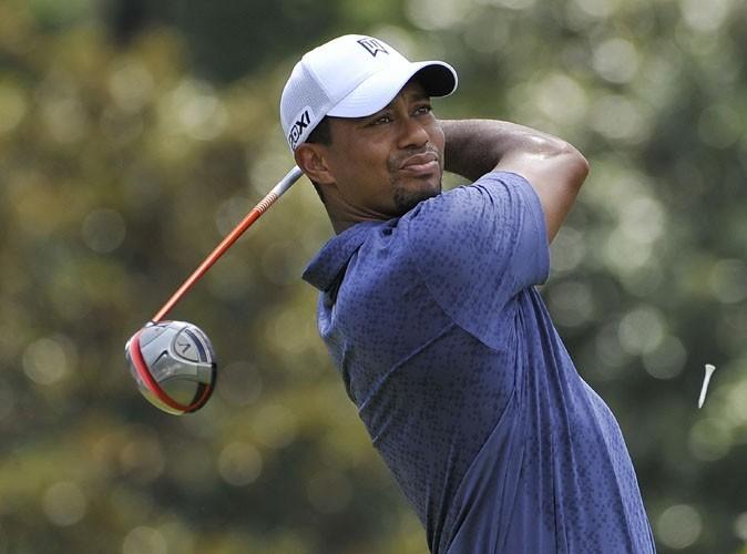Vidéo : Tiger Woods: l'attaque du hot-dog volant !